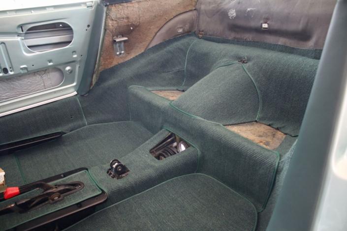 Endmontage Teppich 1974 Porsche 911 Targa Silbergrün