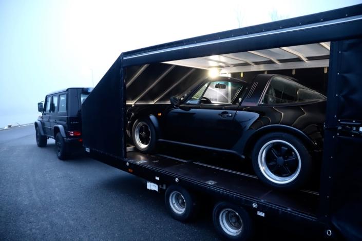 PKW Anhänger geschlossen Porsche 911 Mercedes G-Klasse