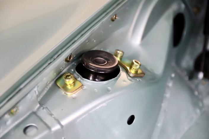 Achsüberholung Domlager Porsche 911 erneuert