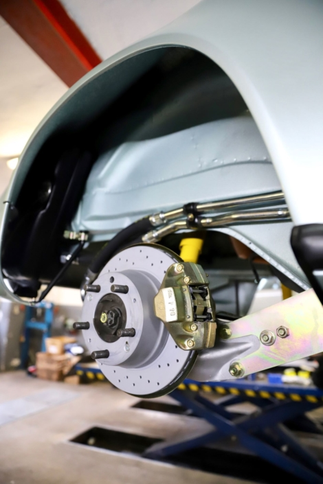 Porsche 911 Hinterachse überholt Ölrohre erneuert