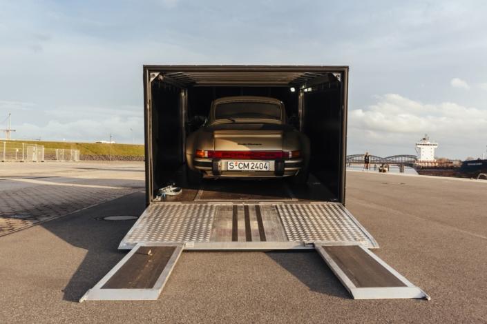 PKW Anhänger Geschlossen Moetefindt Porsche 930 Turbo