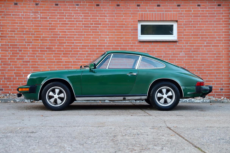 Porsche 1976 911S Coupé Irischgrün Seitenansicht