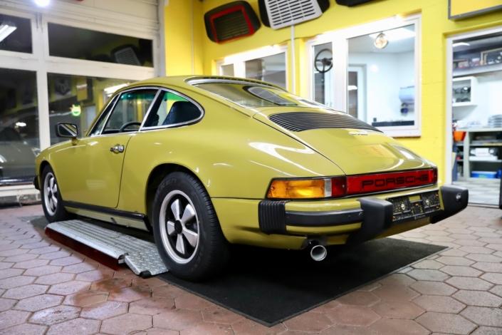 1976 Porsche 911S Coupé 414 Olive Heck